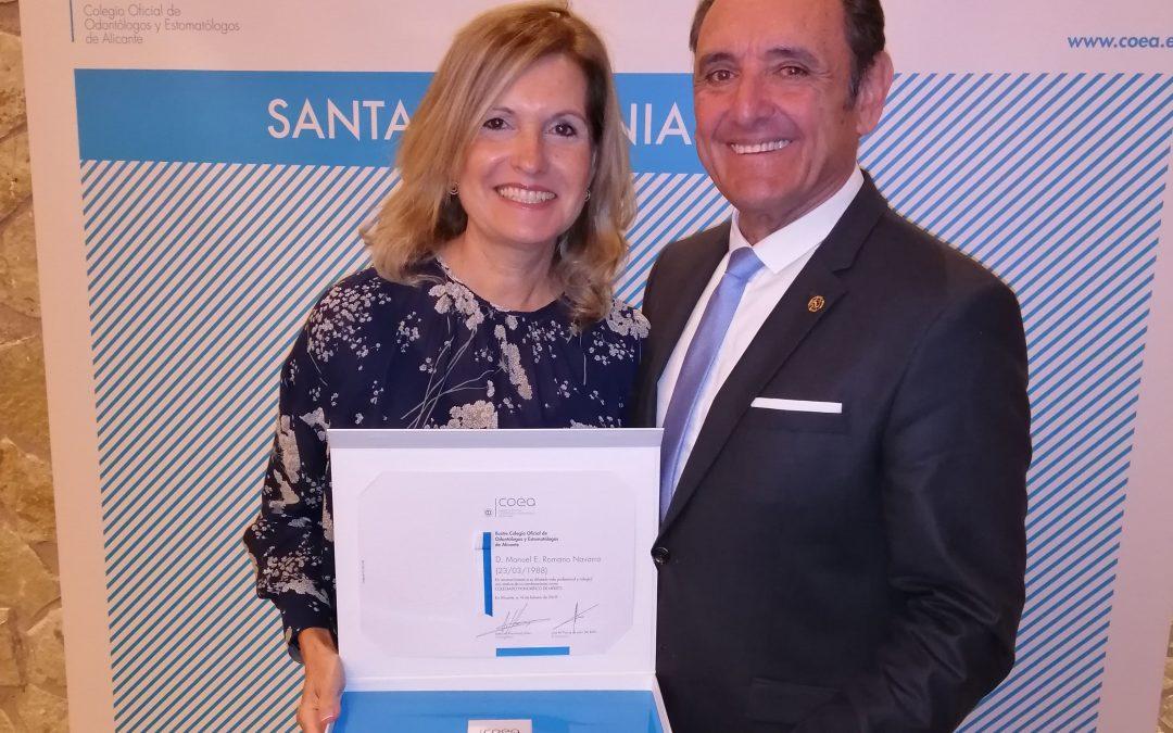 Manuel Romano, distinguido como Colegiado Honorífico de Mérito por el Colegio de Odontólogos