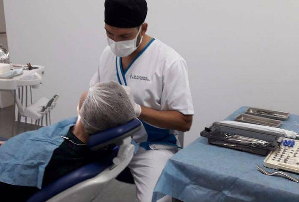 Qué son, cómo funcionan y cuándo recurrir a implantes dentales