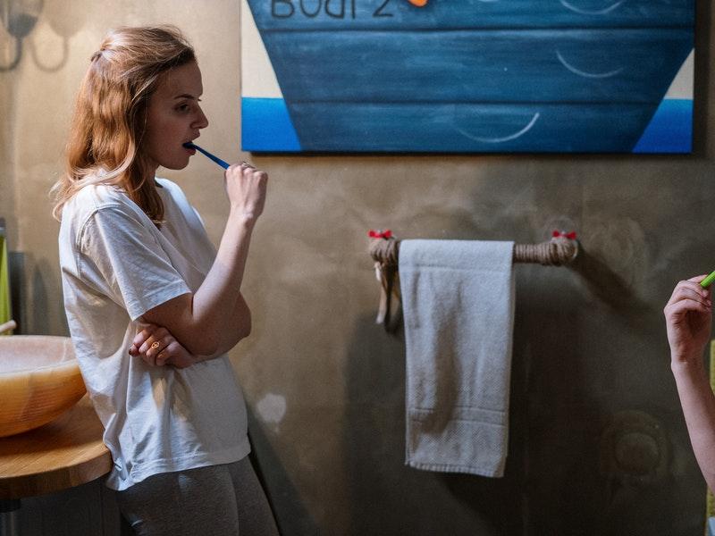 Cómo cepillarse los dientes para evitar el coronavirus