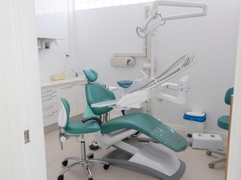 Cirugía periodontal: todo lo que debes saber de este tratamiento