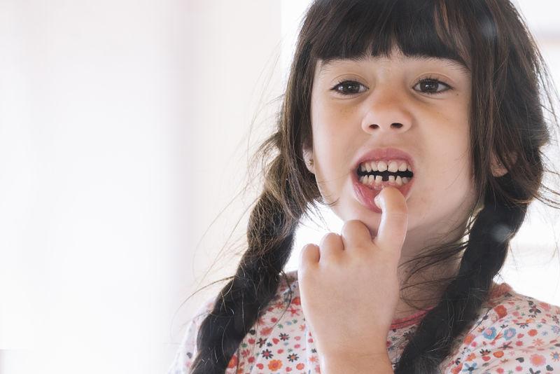 Dientes de leche: consejos para ayudar a los niños